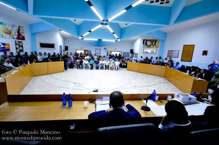 Monte di Procida, convocato il consiglio comunale. Tra i temi: elezioni nuovo presidente del consiglio e viabilità a MdP e Cappella