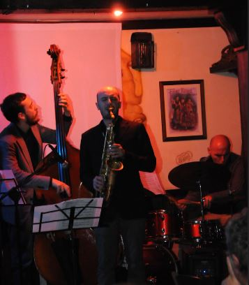"Jazz d'autore all'""Iris Pub Black Stuff"" di Torregaveta"