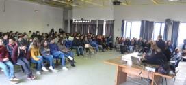 Ricordata  la Giornata della Memoria al Liceo Seneca di Torregaveta. Video