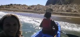 """Miseno. Dopo la frana ecco la """"Spiaggia Della Luna"""" il battesimo dalle canoiste di Culturavventura Bacoli"""