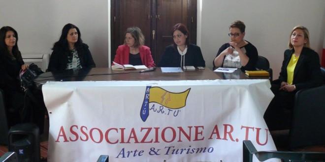"""""""Codice Donna Villa Cerillo Bacoli, interviste a Monica Carannante e Flavia Guardascione.Video"""