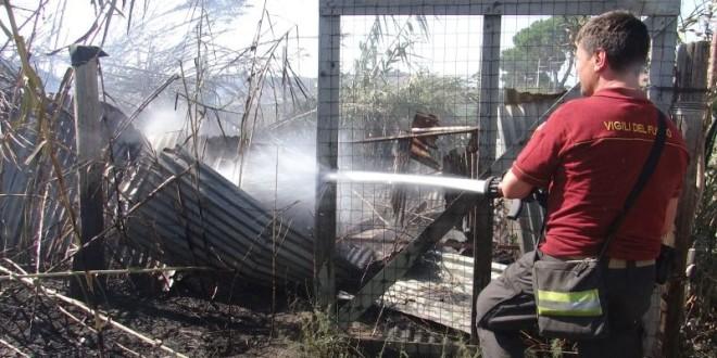 Inferno di fuoco a Monte di Procida le fiamme divampano per ore sulla Panoramica. Video