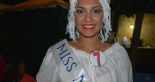 Giusy Borredon è la prima Miss Montesina di Monte di Procida. Video e Foto