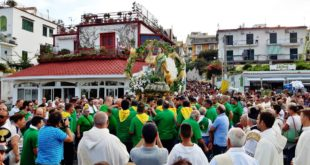 Processione di S. Anna a Bacoli. Video e foto di Pacosmart