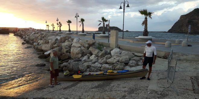 1000 Km in Kayak passando per Monte di Procida. Vincenzo Varia da Palermo a Roma. Video