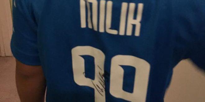 La maglia di Milik a due bambini montesi in Usa grazie al calciatore Francesco Puccinelli.