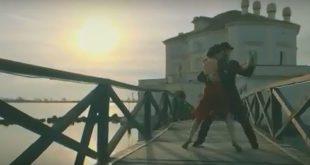 La Casina Vanvitelliana da vita al nuovo singolo di Rosario Morisco CLICHÉ 🌹❤. Video