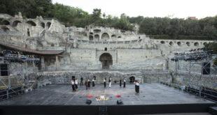SETTE CONTRO TEBE di Eschilo giovedì 20 e venerdì 21 luglio (ore 21), al festival del Dramma Antico alle Terme di Baia.