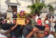 Video, celebrati sul porto di Baia i funerali di Antonio Emanato