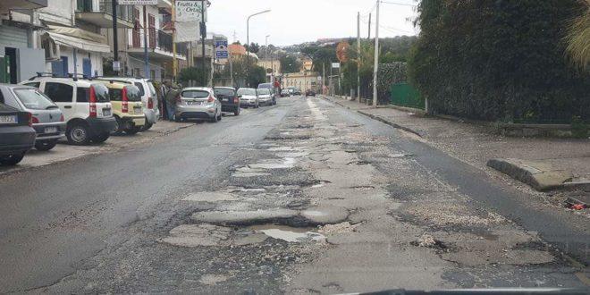 Bacoli 40 mila euro per le strade