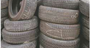 Smaltimento illecito di pneumatici a Bacoli.