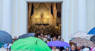 Processione di Maria SS. Assunta rinviata. I precedenti storici ed i commenti dei montesi