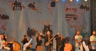 Enzo Avitabile dedica il concerto ai morti di Genova. Tutti i video di Paco Smart
