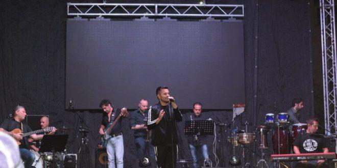Andrea Sannino, Peppe Iodice biglietto vincente  a Monte di Procida Abbracciame tour tutti i video di Pacosmart.