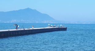 Pontile di Torregaveta. Blitz della Capitaneria di Baia, via pescatori, sedie e ombrelloni abusivi.