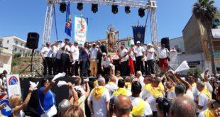 Monte di Procida. La Processione di S. Maria Assunta in Cielo. Video di Pacosmart