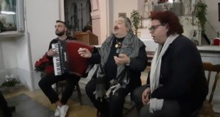 Bellissimo concerto del maestro Marcello Colasurdo alla Chiesa del Casale di Cappella.Video le interviste.