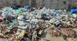 Acquamorta. oltre 5mila euro per bonificare la zona dai rifiuti arrivati dal mare.