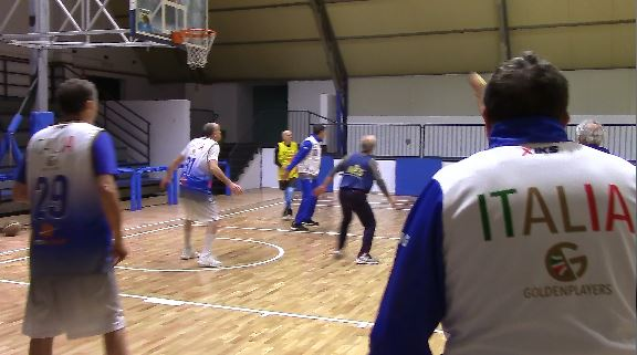 THE GOLDEN PLAYERS SI ALLENANO A MONTE DI PROCIDA. Video