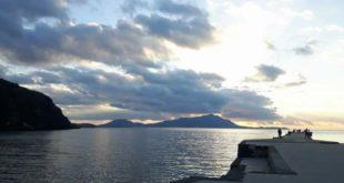 Torregaveta e Baia.  Pesca di frodo la guardia costiera sequestra due reti.