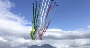 Le Frecce Tricolori nei cieli di Napoli, giovedì 28 maggio: ecco dove vederle e l'orario previsto