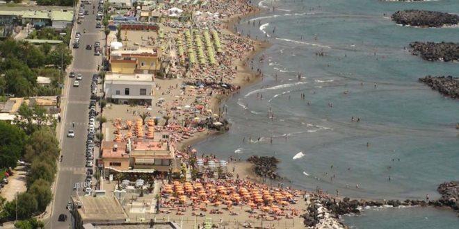La Prenotazione per accedere a spiagge libere obbligatoria in Campania.