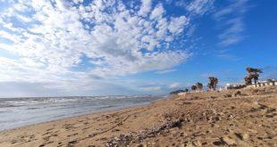 Spiaggia Romana. Noleggiavano abusivamente lettini e ombrelloni  prendendo possesso di circa cento metri quadrati di arenile