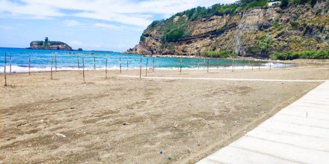 """Il sindaco Pugliese: """"Ho appena firmato un'ordinanza che vieta l'accesso alle spiagge per la notte del 14 agosto"""""""