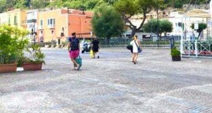 Pedonalizzazione del porto di Baia. Nuovi posti auto gratis