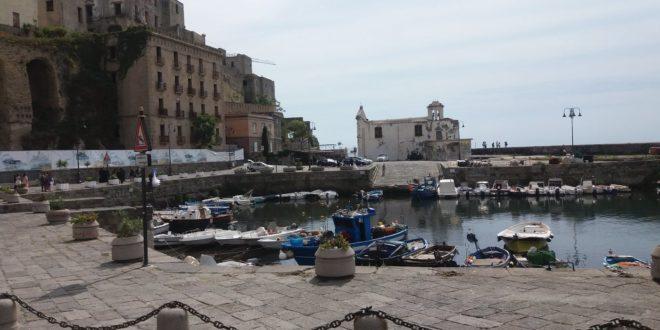 La Darsena con la Chiesa dell'Assunta di Pozzuoli e la Fescina raccolgono oltre i 2000 voti per il Censimento del FAI