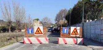 Via Cuma è stata chiusa per lavori fognari. Prevista la riapertura la metà di aprile