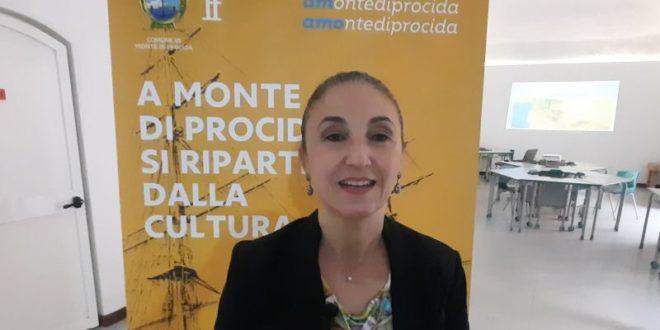 DINA STELLA A MONTE DI PROCIDA SI RIPARTE DALLA CULTURA.VIDEO