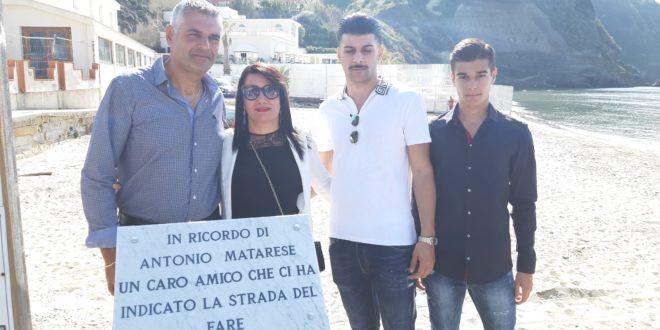 Torregaveta.Scoperta la targa sul Pontile in ricordo di Antonio Matarese.