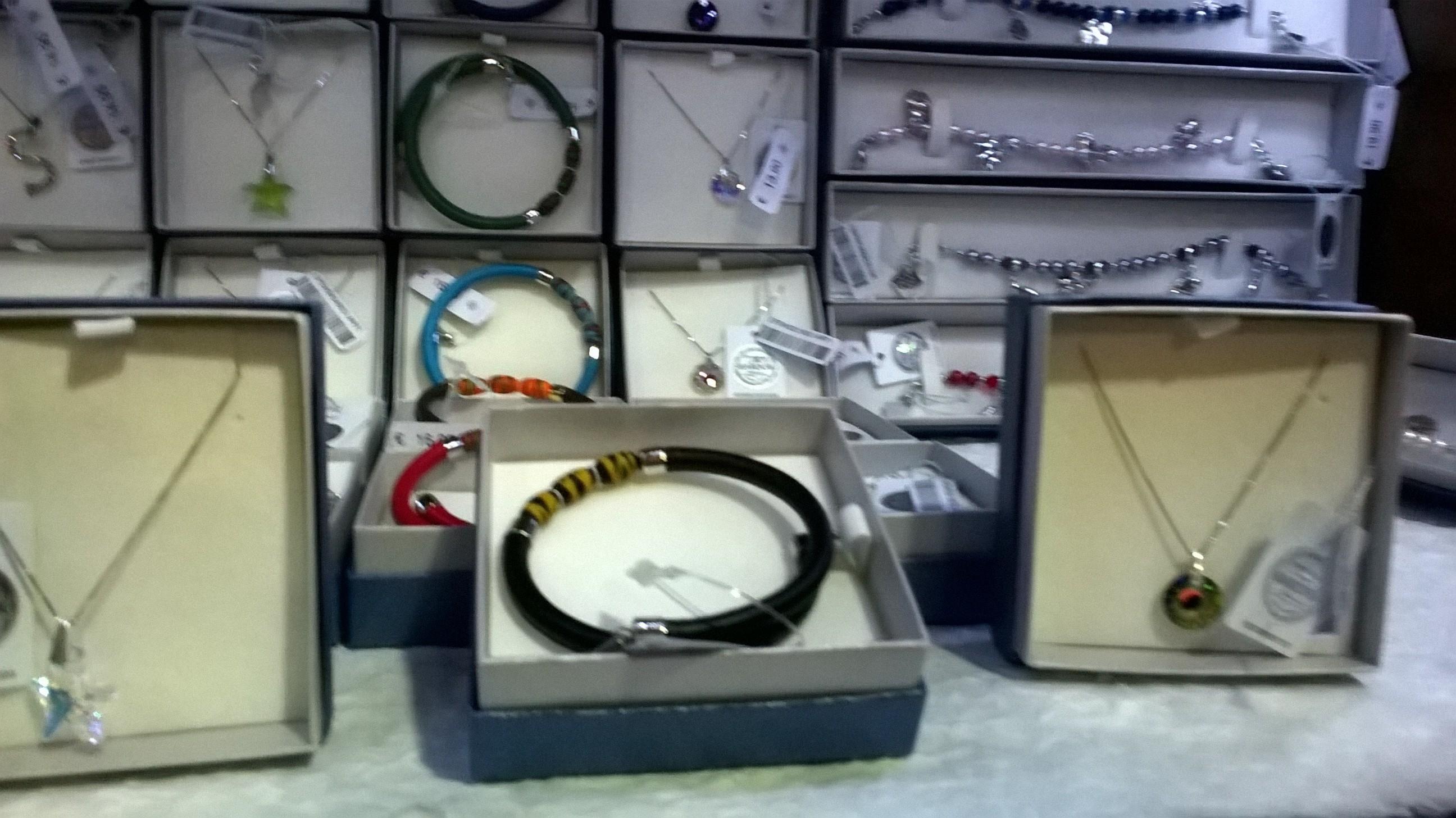 Peter Pan Cartolibreria, collane e bracciali in argento swarovski e vetri di Murano
