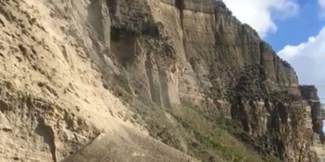 Monte di Procida, Torrefumo. Il costone cede ancora.