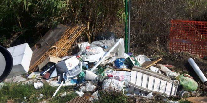 Bacoli. Stop allo sversamento dei rifiuti. Attivate le telecamere in via Spiaggie Romane.