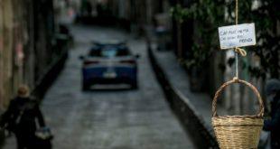 """A Santa Chiara arriva il """"Panaro Solidale"""": il gran cuore di Napoli nell'ora più buia"""