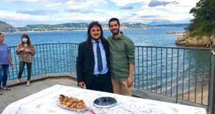 Ciro Scamardella è un orgoglio di Bacoli. Il sindaco elogia il giovane conduttore.