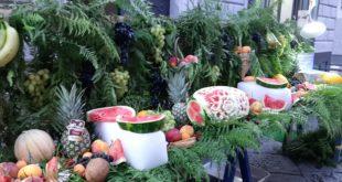 Video. Al centro storico di Bacoli Frutta e altro per beneficenza per i servizi sociali.