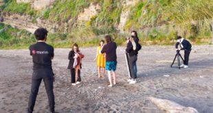 Il cantante e autore Tropico gira il suo nuovo video sulla spiaggia di Acquamorta.