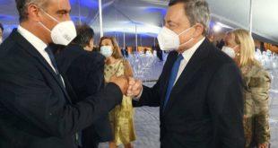 Il sindaco di Procida con Draghi al Quirinale. Procida Capitale 2022