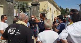 Nello Savoia. Stamattina sit-in dei cittadini davanti ai cancelli del sito borbonico